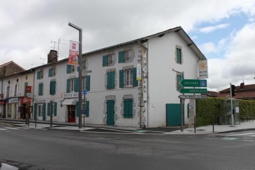 O Petit Hotel : Hotel near Saint-Paul-lès-Dax