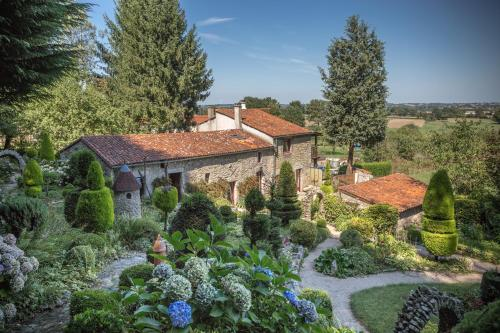 Le Jardin D'abel : Bed and Breakfast near Combrand