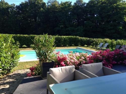 La Maison de Famille : Bed and Breakfast near Gout-Rossignol