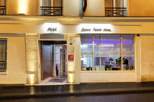 Hotel Louvre Sainte Anne : Hotel near Paris 2e Arrondissement