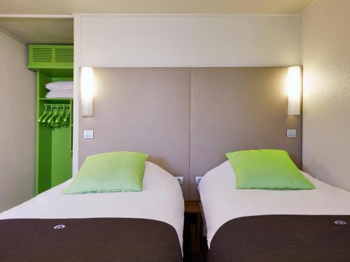 Campanile Voisins-Le-Bretonneux : Hotel near Saint-Aubin