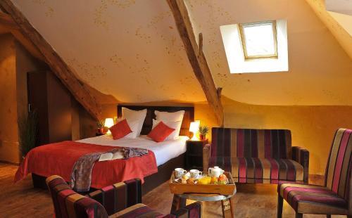Hotel O2B Aux Berges de Brocéliande : Hotel near Saint-Malon-sur-Mel
