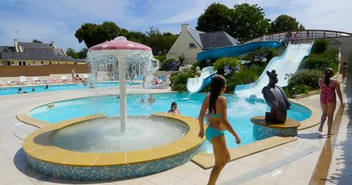 Camping du Poulquer : Guest accommodation near Bénodet