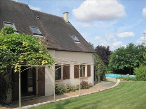 Au Chat Perché : Bed and Breakfast near Aulnay-sur-Mauldre