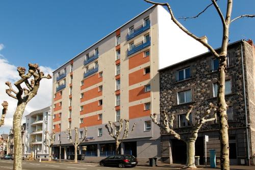 Appart'City Clermont-Ferrand Centre : Guest accommodation near Clermont-Ferrand