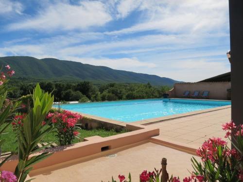 Domaine de la Bastidonne : Guest accommodation near Saint-Martin-de-Castillon