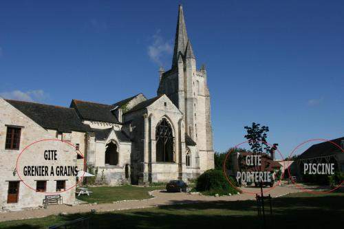 Abbaye De Bois-Aubry : Guest accommodation near Antran