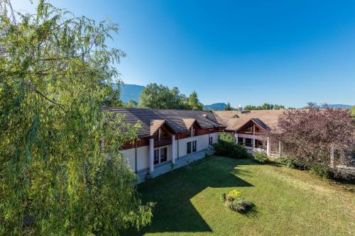 Mona Lisa Le Clos Du Lac : Hotel near Chambéry