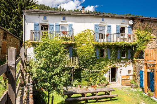 Maison Sarda : Bed and Breakfast near Le Bousquet