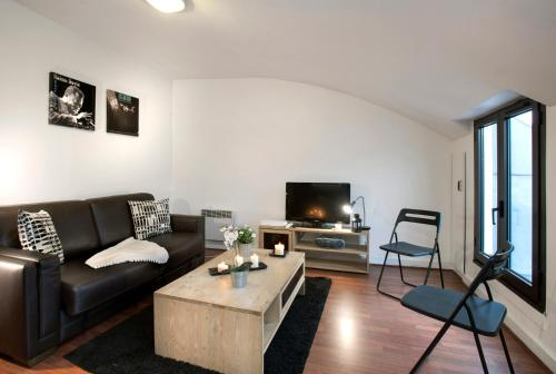 Sous les toits de paris Montmartre : Apartment near Paris 9e Arrondissement