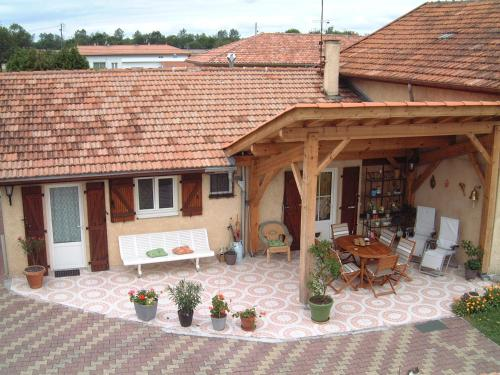 a2pasdelaforet : Bed and Breakfast near Garrosse