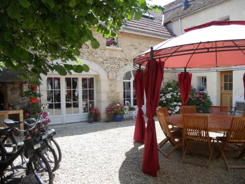 Les Mille et une Pierres : Bed and Breakfast near Nesle-le-Repons