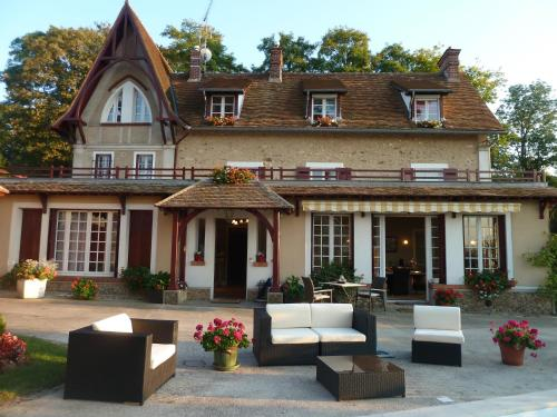 La Thuilerie - Maison d'hôtes : Bed and Breakfast near Triel-sur-Seine