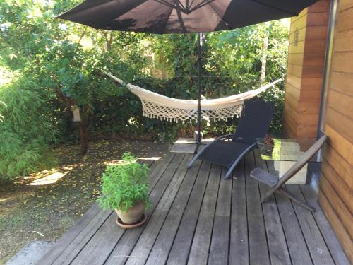 Chambre d'Hôtes du Clos Bamboo : Bed and Breakfast near Pessac