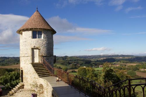La Tour De Quinsonnas : Bed and Breakfast near Bizonnes