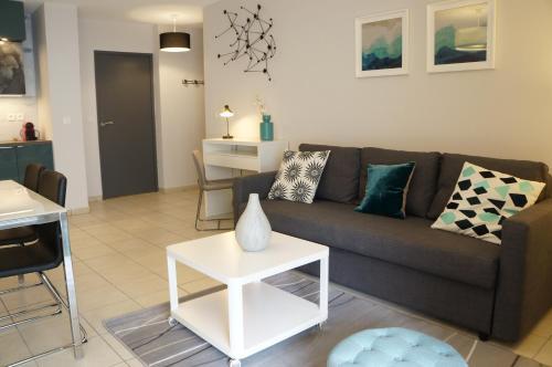 Appartement Contemporain t3 Saint Charles : Apartment near Marseille 13e Arrondissement