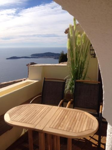Romantic Hideaway Eze/ Monaco with spectacular sea view : Guest accommodation near Drap