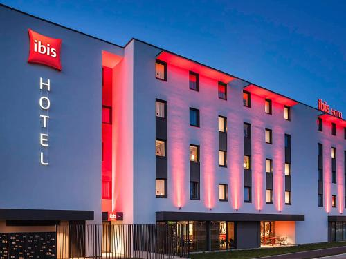 ibis Sens : Hotel near Saint-Denis