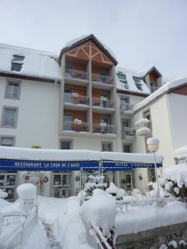 Logis Hôtel L'Auzeraie : Hotel near Comus