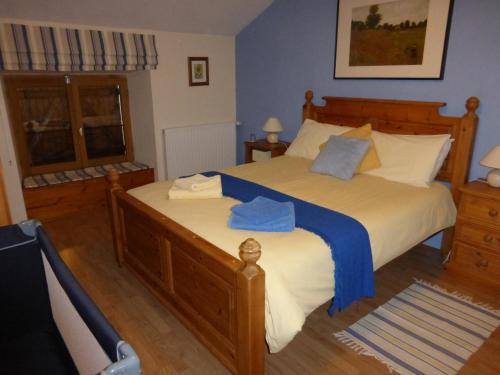L'Hirondelle Chambres d'Hotes : Bed and Breakfast near Saint-Mathieu