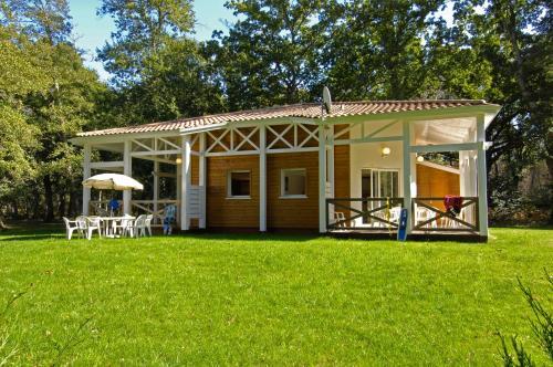 Domaine de Pitrot : Guest accommodation near Saumos