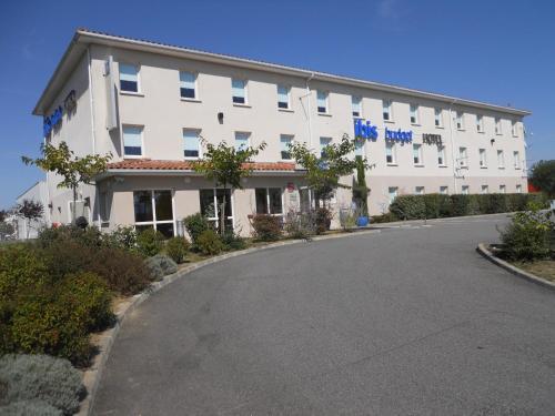 ibis budget Saint Gaudens : Hotel near Le Fréchet