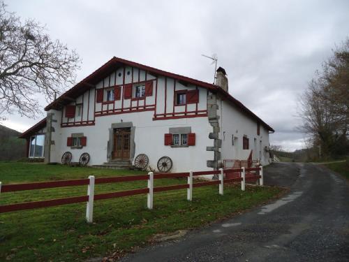 maison Idigoinia : Apartment near Iholdy