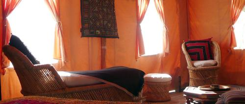 Palika Lodge : Bed and Breakfast near Laluque