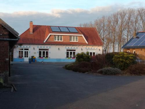 Gite Beauvois : Guest accommodation near Guinecourt