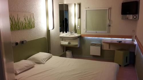ibis budget Chateauroux Deols : Hotel near Villegongis