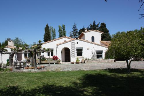 La Villa Blanc (Adults Only) : Bed and Breakfast near Mas-Cabardès