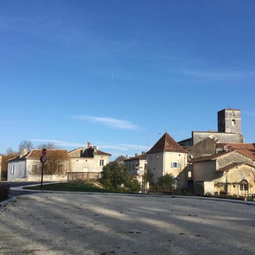 La Maison Du Pont : Bed and Breakfast near Gout-Rossignol