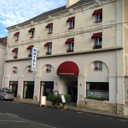Hôtel L'Univers : Hotel near Leigné-les-Bois