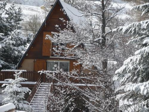 Chalet eaux vives : Guest accommodation near Sauto