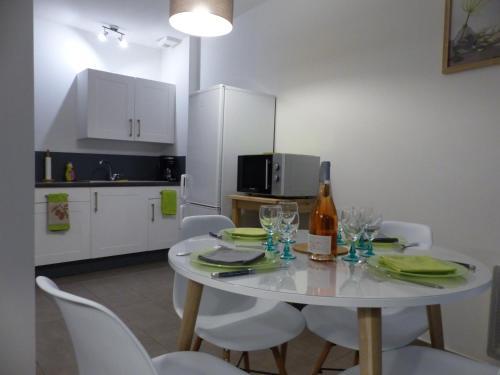 Appartement Plein Centre Avignon : Apartment near Avignon