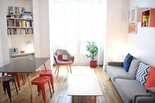 Design Apartment in Batignolles : Apartment near Paris 8e Arrondissement