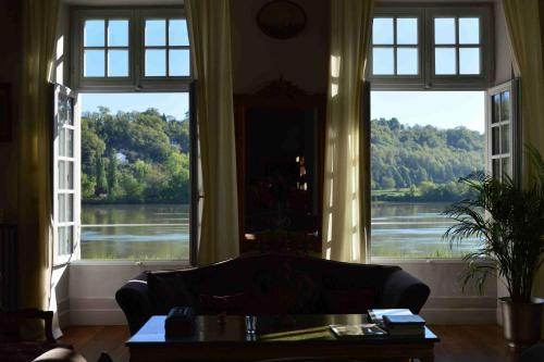 Château de Montigny-Rabey : Bed and Breakfast near Castres-Gironde