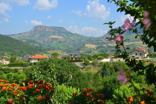 Les Fleurs de Marie : Guest accommodation near Mostuéjouls
