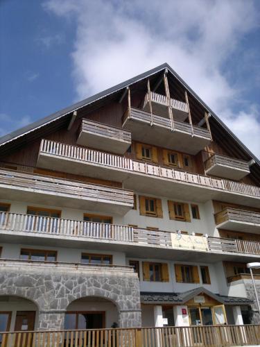 O - Sancy Résidence de Tourisme : Guest accommodation near Saint-Donat