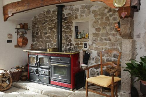 le clos saint François : Bed and Breakfast near Saint-Victor-sur-Arlanc
