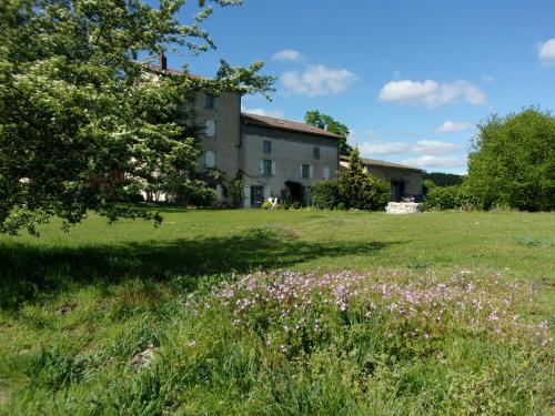 Chambres d'hôtes le Besset : Bed and Breakfast near Puy-Guillaume