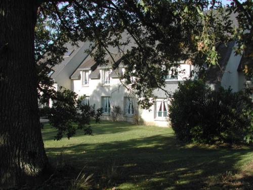 Hôtel Beau Rivage : Hotel near Arradon