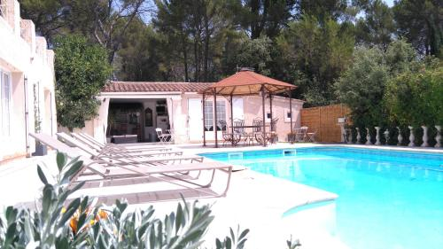 Chez Isabelle et Guy B&B : Bed and Breakfast near Trans-en-Provence