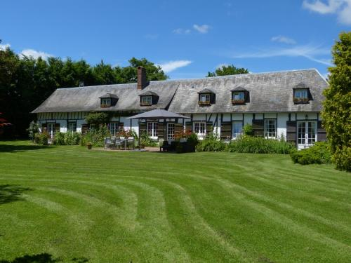 Le Petit Verger : Bed and Breakfast near Cuy-Saint-Fiacre