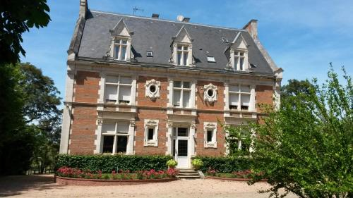 Chambres d'hôtes du Haras de Coddes : Bed and Breakfast near Gannay-sur-Loire