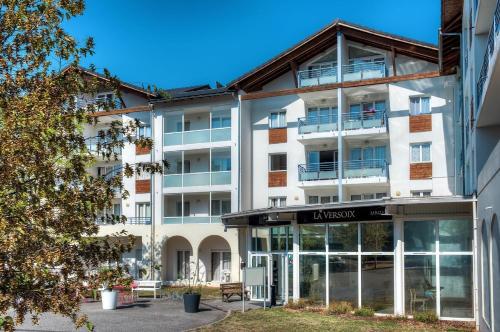 Zenitude Hôtel - Résidences La Versoix : Guest accommodation near Divonne-les-Bains