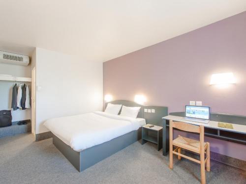 B&B Hôtel SACLAY : Hotel near Toussus-le-Noble
