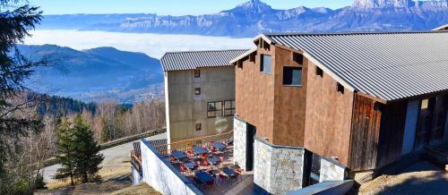 Village Vacances Les Ramayes : Guest accommodation near Tencin