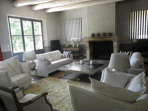 Mas de Boule : Guest accommodation near Arpaillargues-et-Aureillac