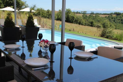 Villa d'escane : Guest accommodation near Montbernard